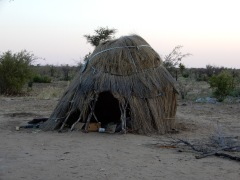 Ein Haus eines armen Buschmannes